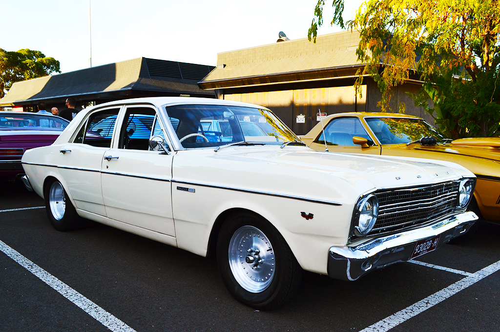 Ford Falcon XW fitted with Center Line Auto Drag